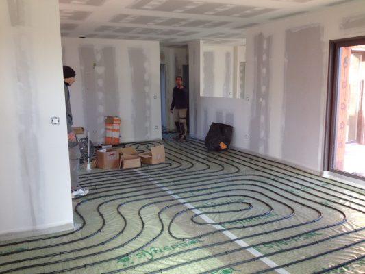 pr sentation de giacomini plancher chauffant maisons lara. Black Bedroom Furniture Sets. Home Design Ideas