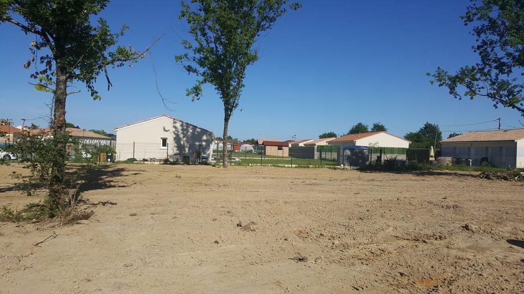 Terrain a gauriaguet 557m2 maisons lara for Prix maison a batir