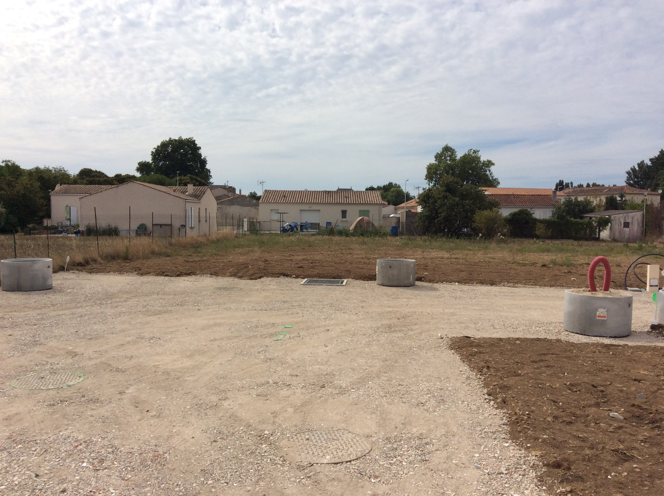 Long ves terrain de 384 m2 ref jmc maisons lara for Prix des terrains au m2